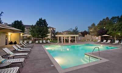 Pool, Cross Pointe, 0