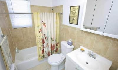 Bathroom, Raritan Landing Apartments, 2