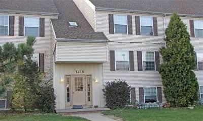 Building, Laurel Hills Apartments, 0