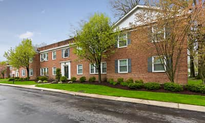 Building, Shaker Crossing Apartments, 0