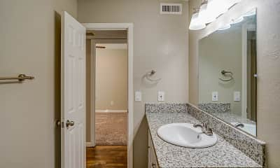 Bathroom, Sutter Commons Apartments, 2