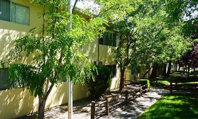 Roselake Apartments, 2