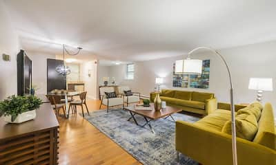 Cherokee Apartments At Chestnut Hill, 1