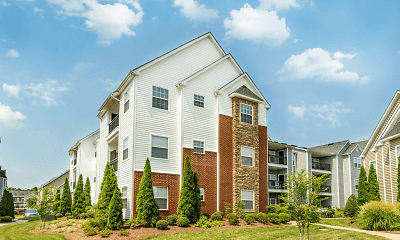 Building, Crowne Village At Swift Creek, 1
