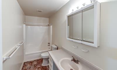 Bathroom, Quail Oaks Apartments, 2
