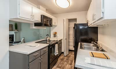 Kitchen, Renew Cross Creek, 1