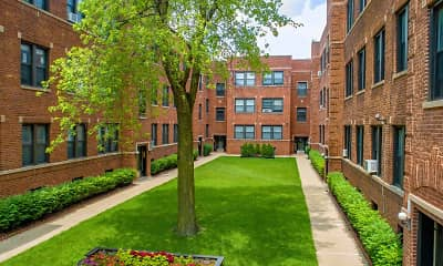 Courtyard, 634 W. Cornelia, 2