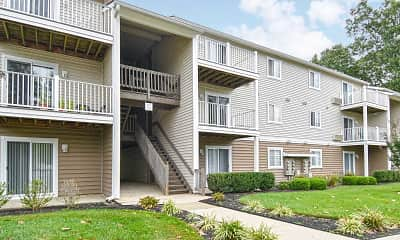 Building, Summit Apartments, 1