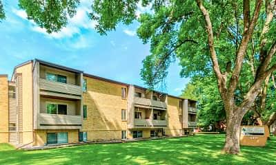 Building, Park Downs Apartments, 0