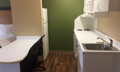 Kitchen, Furnished Studio - Chicago - Downers Grove, 1