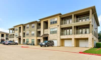 Building, Crescent Pointe Apartments, 0