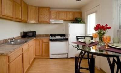 Kitchen, Chesapeake Pointe Townhomes, 2