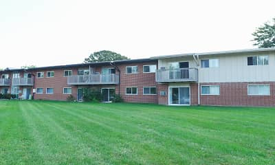 Building, Cedar Creek Apartments, 2