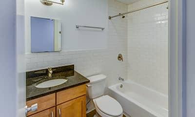 Bathroom, 5326-5336 S. Greenwood Avenue, 2