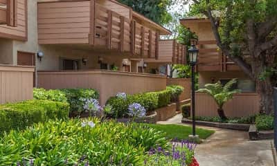 Courtyard, Foothill Village, 1