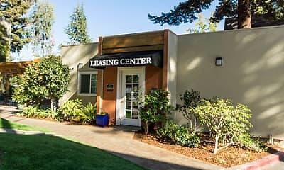 Leasing Office, Remington Place, 1