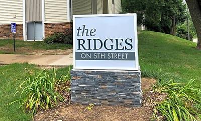 Community Signage, The Ridges on 5th St, 1
