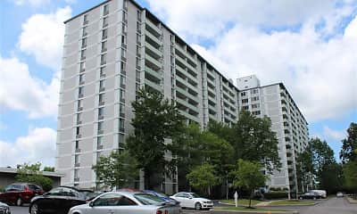 Building, Gates Mills Place, 2