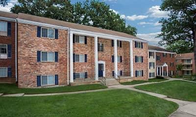 Building, Deerfield Run & Village Square North, 1