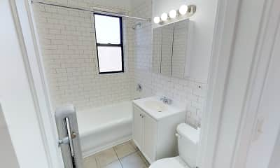 Bathroom, 1101 E. Hyde Park Boulevard, 2