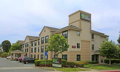Building, Furnished Studio - Richmond - Hilltop Mall, 0