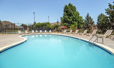 Pool, Rosehill Pointe, 0