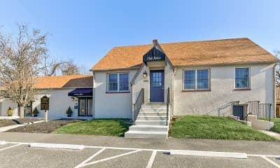Building, The Cedars At Medford, 1