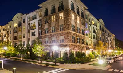 Building, Axis at Shady Grove Apartments, 1