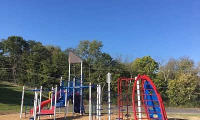 Playground, Vantage Pointe West Apartments, 2