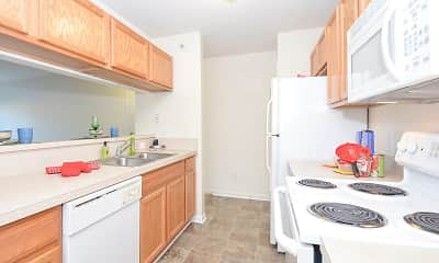 Kitchen, South Pointe Apartments, 1