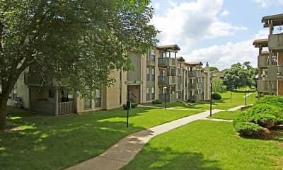 Building, Vivion Oaks, 1