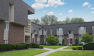 Building, Towne Oaks Apartments, 0
