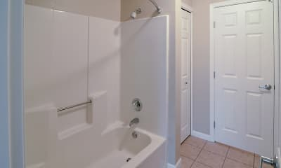 Bathroom, Cutters Grove Apartment Homes, 2
