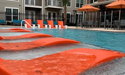 Pool, Delaneaux, 1