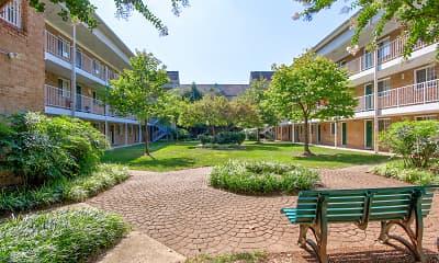 Courtyard, Quantico Court, 1