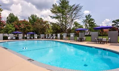 Pool, Williamsburg Manor Apartments, 1