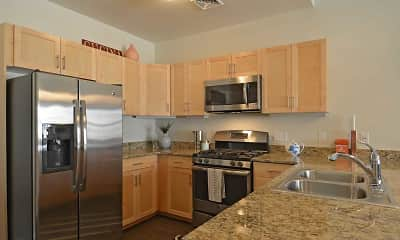 Kitchen, Fairfield Plaza at Farmingdale Village, 0