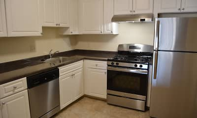 Kitchen, Quincy Commons, 0