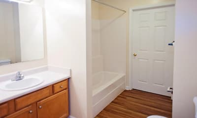 Bathroom, Woodland Ridge, 2