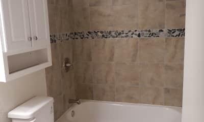 Bathroom, Oakdale Circle, 2