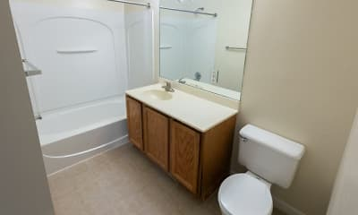 Bathroom, Parkridge Gardens Apartments, 2