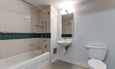 Bathroom, Criterion Promenade, 2
