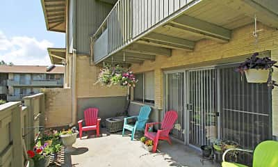 Patio / Deck, Vivion Oaks, 2
