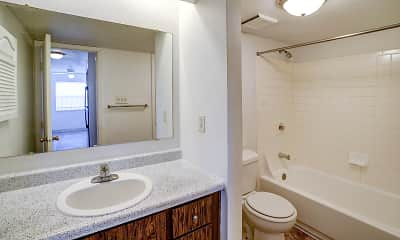 Bathroom, The M Club Apartments, 2
