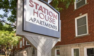 Station House Apartments, 2