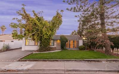 Skyline 3 Bedroom Houses For Rent In San Diego Ca Rentals Com