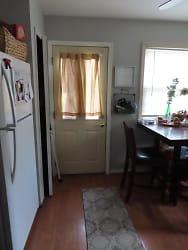 6000 Columbus Kitchen2.jpg