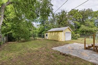 10 Backyard.jpg