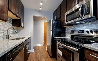 Kitchen 420.JPG