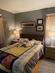 Nassau Bed rm.jpg